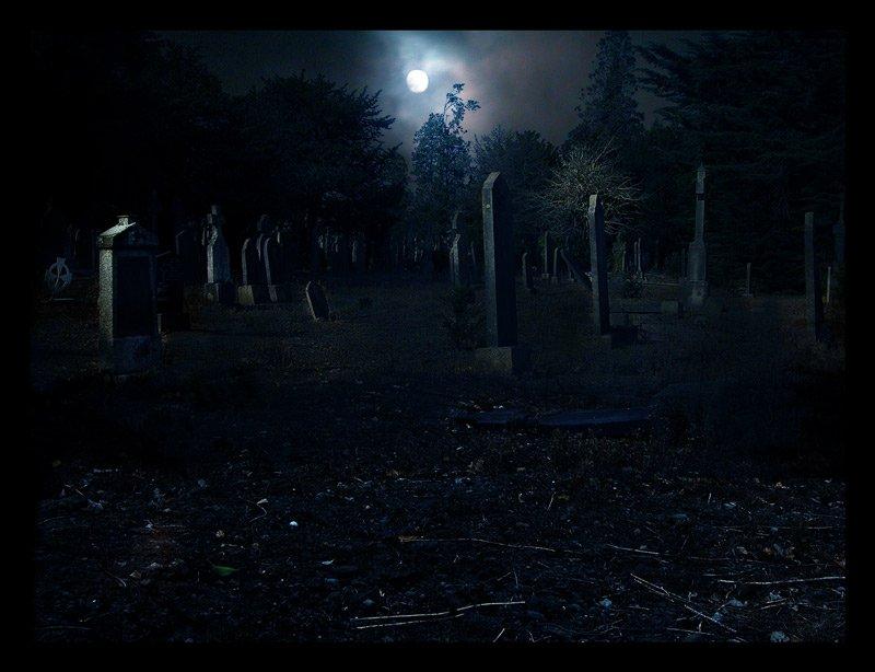 Почему зимой нельзя ходить на кладбище